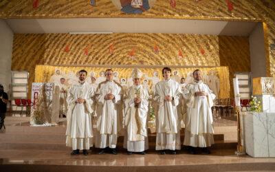 Svećeničko ređenje četvorice isusovaca